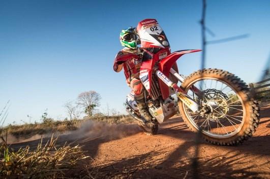 Jean Azevedo, sete vezes campeão do Sertões nas motos (Gustavo Epifânio/Fotop/Vipcomm)