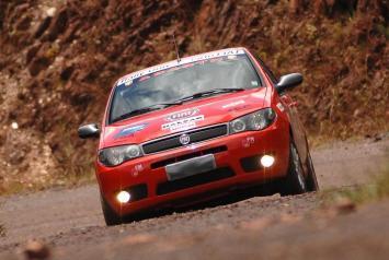 Copa SC Racing terá a categoria Universitários, destinada aos veículos 4x2 (Arquivo Rally Universitário Fiat)
