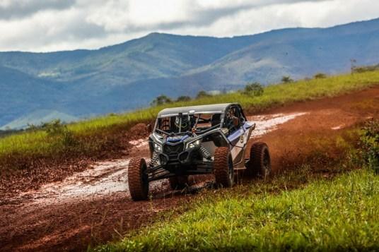 Rafael Cassol/Lélio Jr #139 aprovaram a primeira experiência com o UTV (Sanderson Pereira/PhotoEsporte)