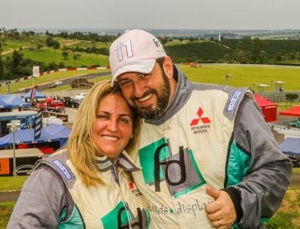 Casal Fontoura e Sandra comanda uma equipe de quase 70 pessoas (Sanderson Pereira/PhotoEsporte)