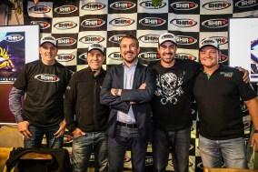 Ferro, Folly, Marcos Finato (chefe de equipe), Bianchini e Malassise (Renato Durães)
