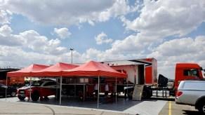 Box da equipe no Parque de Apoio, no Autódromo Internacional de Goiânia (Foto: divulgação)