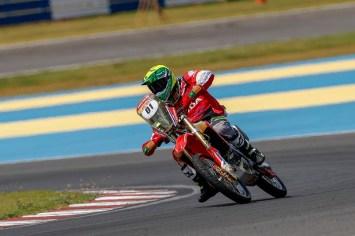 Jean Azevedo foi o mais rápido nas motos (Marcelo Machado de Melo/Fotop/Vipcomm)