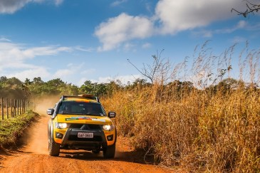 Trilhas off-road divertem os participantes. Foto: Cadu Rolim/Mitsubishi