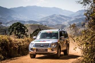 Trilhas off-road divertem os participantes nos ralis (Foto: Adriano Carrapato/Mitsubishi)
