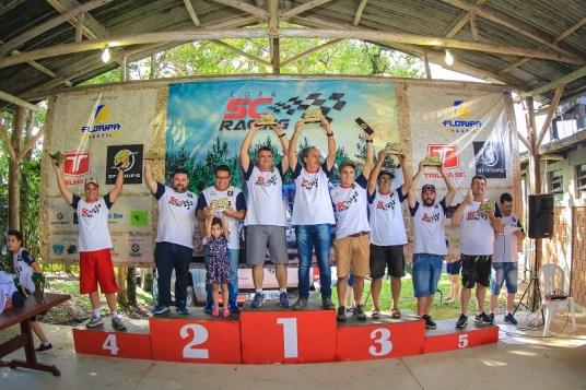Pódio Campeonato Graduados (Crédito Divulgação-Rodrigo Phillips)