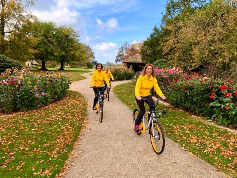 guided bike tour Keukenhof flower fields