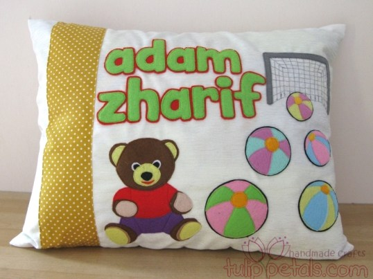 Sarung Bantal Felt Bear 01