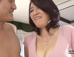 セックスレスすぎてAVデビューw四十路にしてデビューした豊満デブぽちゃな巨乳熟女のド緊張なセックス!