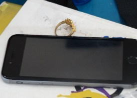iphone and gold ring