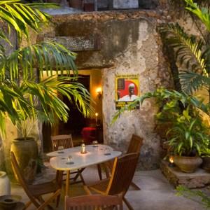 17 Emerson Spice Secret Garden Restaurant
