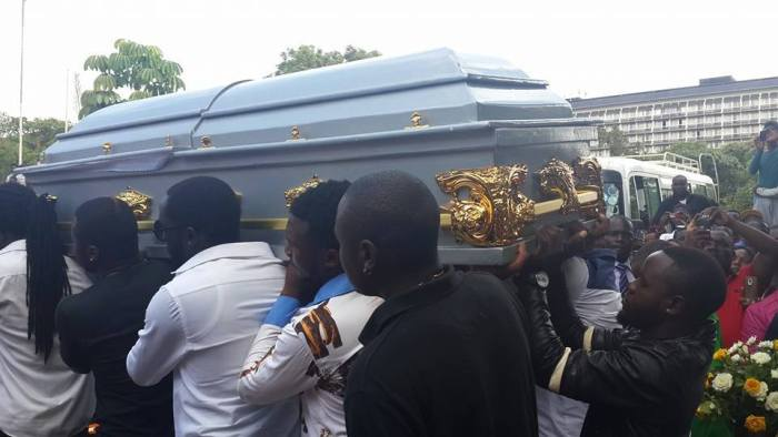 Photos: Various Artists Carry The Coffin Of Late Local Musician 'P-JAY'