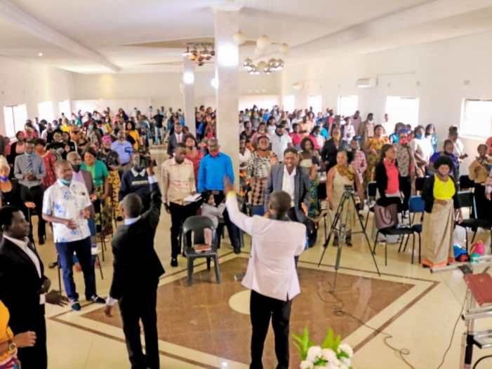 PROPHET MESALA DONATES 10,000 BOOKS TO PUPILS IN ZAMBIA