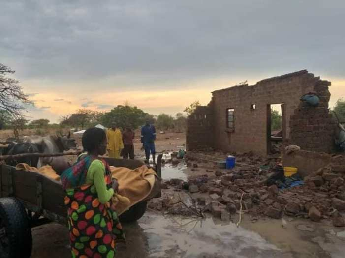 House Collapses On Eight Family Members In Namwala