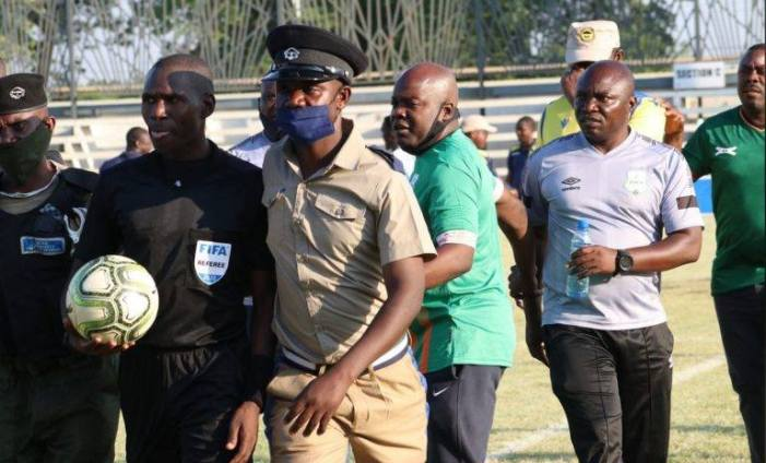 POLICE RESCUES REFEREE FROM ANGERED NUMBA AND HIS TECHNICAL BENCH