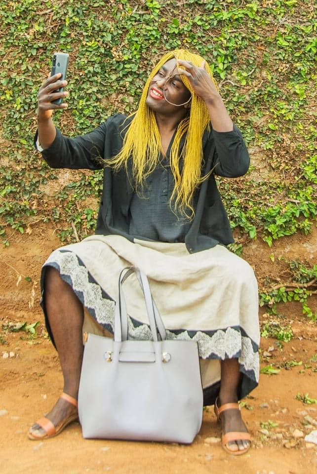 BREAKING: Popular Photographer Chellah Tukuta Goes Mad!