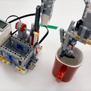 Թեյ պատրաստող ռոբոտը