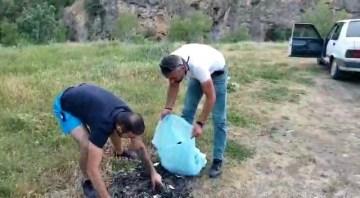 Erzincan ve Tuncelili arkadaş grubu Pülümür Vadisinde çöp topladı