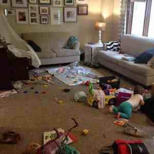 a weekend of poop & a messy house