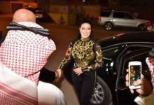 """Photo of غضب في السعودية بعد إهداء """"ختم الرسول"""" لسمية الخشاب"""