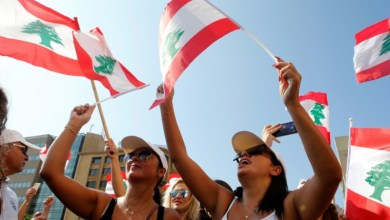 Photo of مسؤول إماراتي كبير يكشف كيف سيتم إنهاء المظاهرات في لبنان بالتعاون مع محمد دحلان