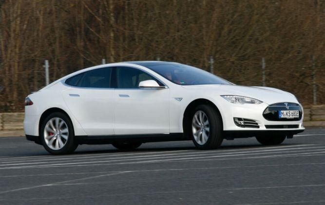 Tesla Model S 002