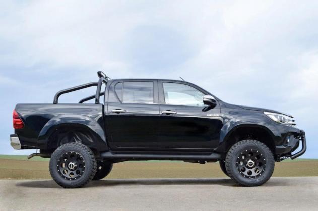 Toyota Hilux2016 Side KlassikB black 18x9 Sportsb