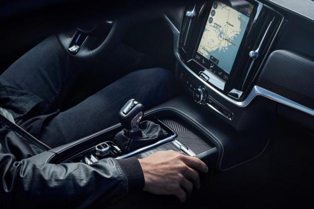 Volvo S90 V90 R Design 003