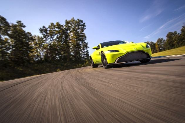 Aston Martin VantageLime Essence01 jpg