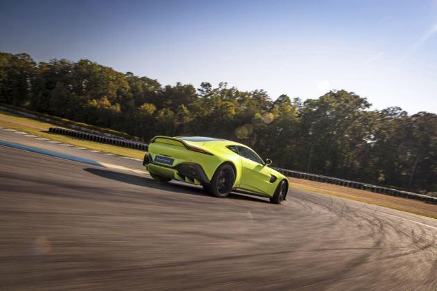 Aston Martin VantageLime Essence03 jpg
