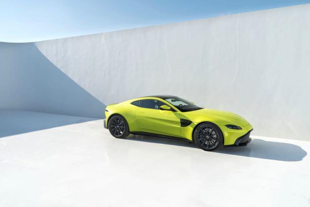 Aston Martin VantageLime Essence10 jpg