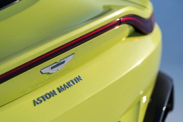 Aston Martin VantageLime Essence14 jpg