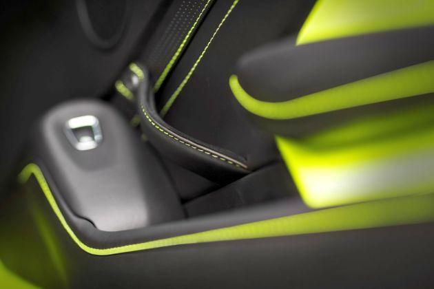 Aston Martin VantageLime Essence20 jpg