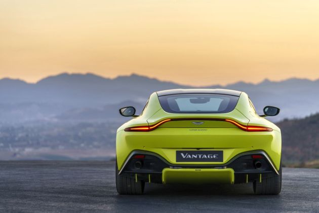 Aston Martin VantageLime Essence22 jpg