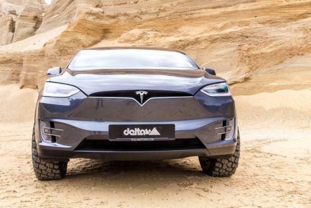 Tesla X front KlassikB26545 pr