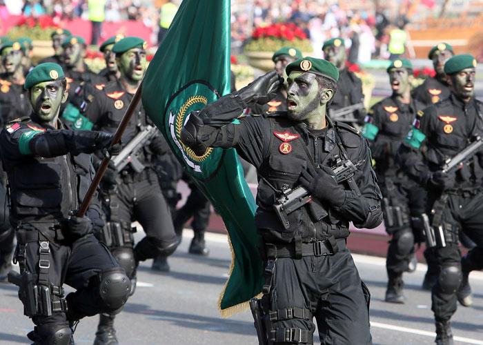 عرض عسكري قطري
