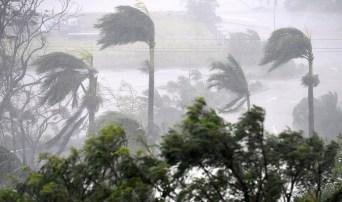 إعصار إيرما يضرب جزر فلوريدا بكل قوته