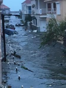 شاهد مستوى الماء في إعصار إيرما