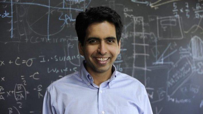 سلمان خان أشهر أستاذ رياضيات في العالم