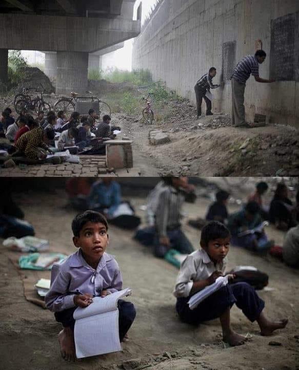 مدرسة مجانية تحت جسر مترو أنفاق في نيودلهي