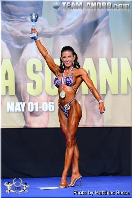 Mette Ulseth har konkurrert i body-fitness fra 2010–2014 og kom på førsteplass i EM i Spania 2013. Etter å ha vunnet EM fikk hun sitt proffkort og debuterte i proffligaen. I 2013 fikk hun påvist cyster på eggstokkene. Etter sin debut som proff i 2014 tok hun en pause fra konkurransene og fokuserte på et kosthold med mye fett. Ett år med høyfettskosthold førte til at cystene ble borte.