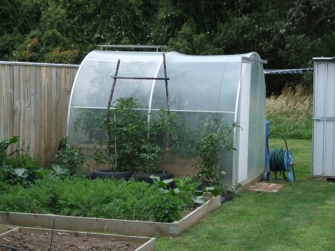 Side view of a 2.5m Morrified Dynamic Growing Tunnel