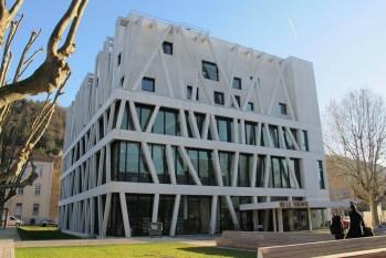 photo de l'intérieur de la médiathèque de Vienne