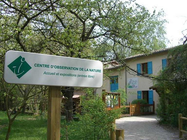 Image de l'arrivée vers l'observatoire de l'Ile du Beurre pour représenter cette page sur le site de la mairie de Tupin et Semons www.tupinetsemons.fr