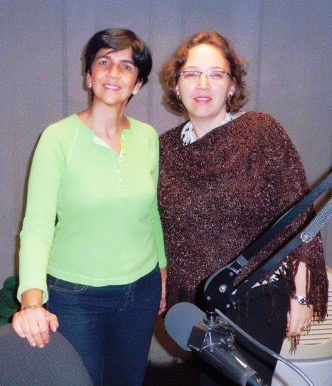 Heidy Ramírez con Marisela Valero en el estudio. Foto Fernando Camacho