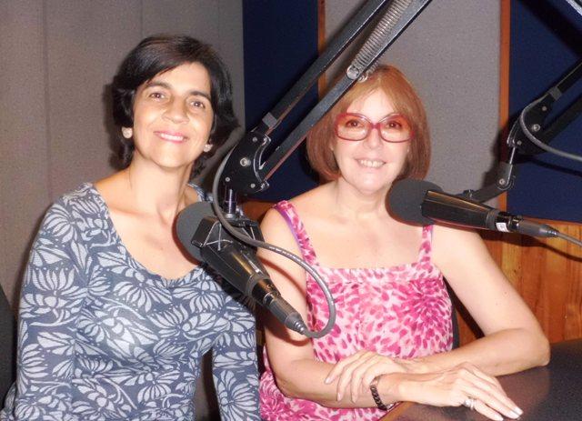 Malena Roncayolo con Marisela Valero. Foto Héctor Luna