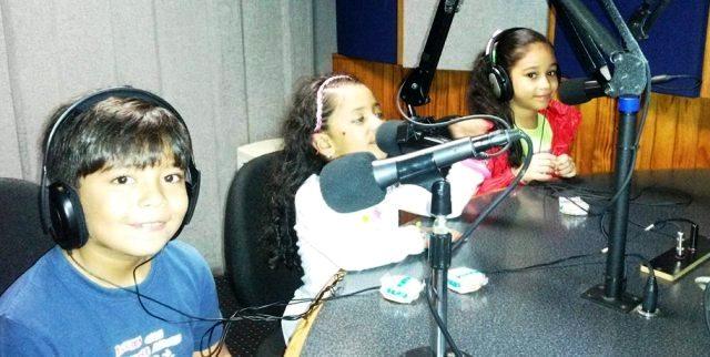 Valeria, Dana y Daniel a sus anchas como locutores