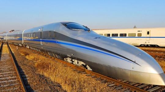 Tren bala chino, con sus pro y contras, es modelo tecnológico.