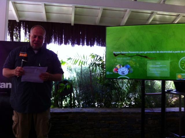 Carlos Masia, de PANASONICc en su charla sobre energías renovebles. Foto Planeta Vital
