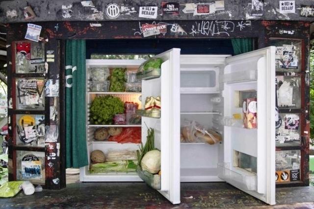 Grupos sociales han colocado refrigeradores gratuitos